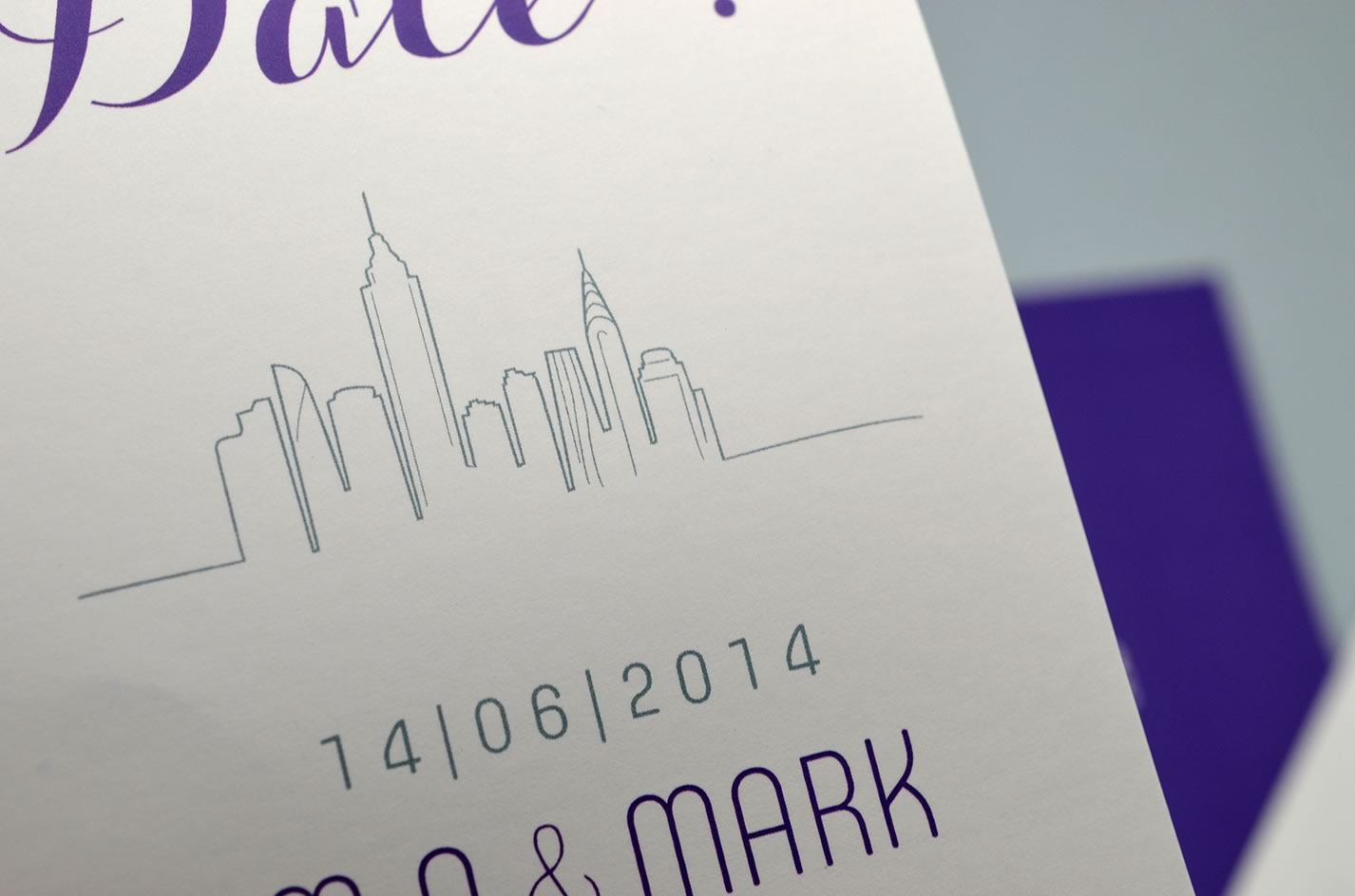 Save the date mariage voyage sur mesure new york design violet skyline latelierdelsa